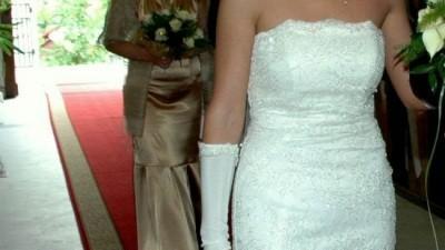 suknia slubna z wloskiej koronki