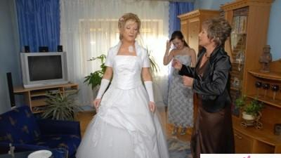 suknia ślubna z wszystkimi dodatkami 1300 zł.