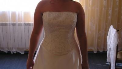 Suknia z kolekcji DEMETRIOS 2006 - sprowadzana z USA