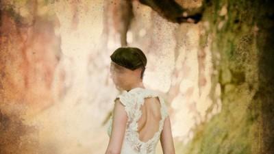 Suknia z koronki francuskiej