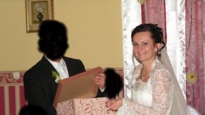 Suknie ślubna Sposa: Manhattan + bolerko z koronki, welon, poduszka, wachlarz