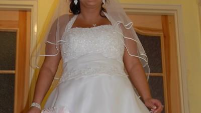 suknnia ślubna biała