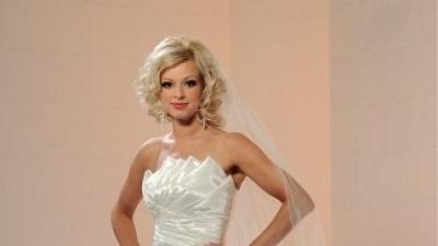 Suyknia ślubna z salonu mody ślubnej Sarah, model 2007