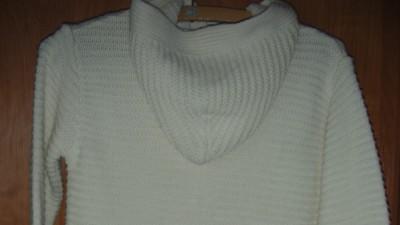 sweter długi z kapturem NOWY 140 TU