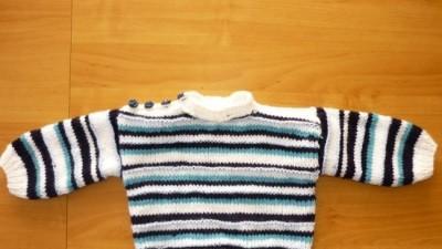 sweterek ręcznie robiony