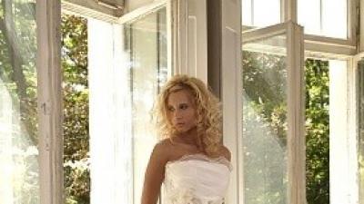 Szukam sukni Biancaneve model 401 z kolekcji 2007