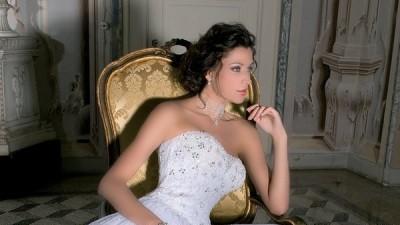 Tiulowa suknia w królewskim stylu! Zwiewna i bardzo kobieca...