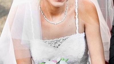 Unikalna suknia ślubna typu princessa wg własnego projektu-piękne koronkowe plec