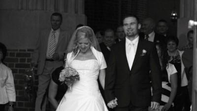 Urocza i oryginalna biała suknia ślubna Mon Cheri roz. 40-42 z trenem