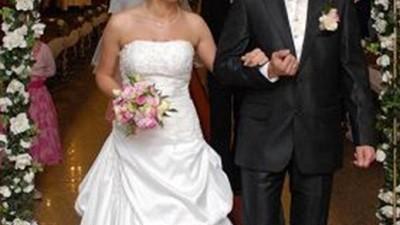 Urocza i Subtelna Suknia ślubna włoskiej kolekcji