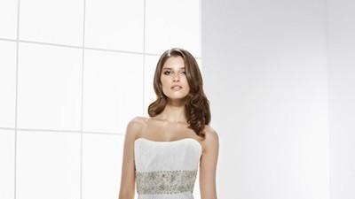 Urzekająca suknia HELIA z salonu GALA 2009