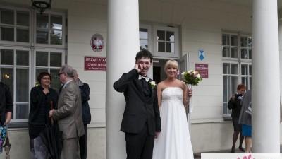 waniliowa suknia ślubna