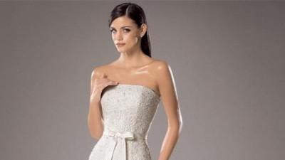 White One 176 - hiszpańska suknia koronkowa
