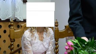 Wiosennie różowa suknia ślubna