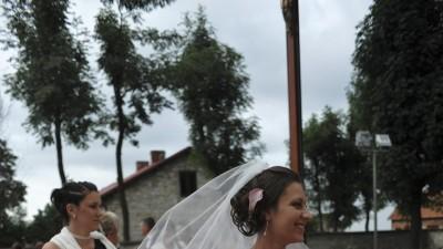 Witam Mam do sprzedania prześliczną suknię ślubną, jednoczęściową, góra(gorset)