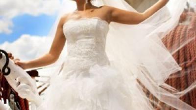 Wyjątkowa suknia Maggio Ramatti+gratis dodatki
