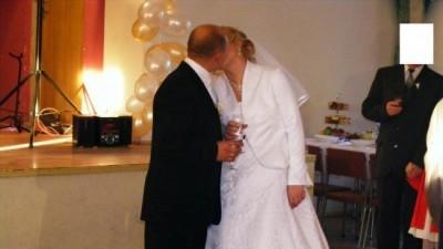 wyjątkowa suknia ślubna, szyta na zamówienie z bolerkiem