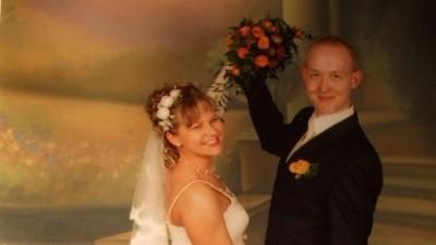 Wyjątkowa suknia ślubna w kolorze ecru. Rozmiar 40