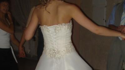Wyjatkowo piekna suknia slubna