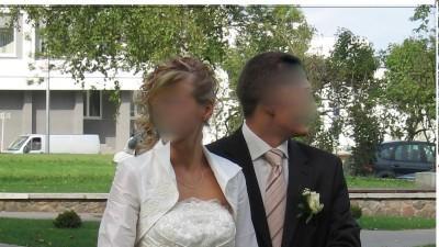 Zjawiskowa suknia ślubna 36-38 ecru