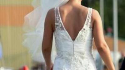 Zjawiskowa suknia ślubna z dodatkami