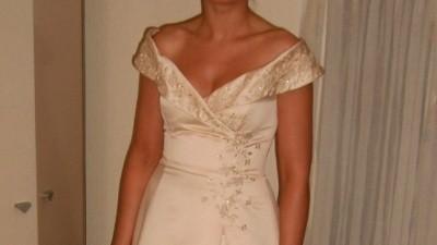 Zjawiskowa suknia w kolorze szampana!