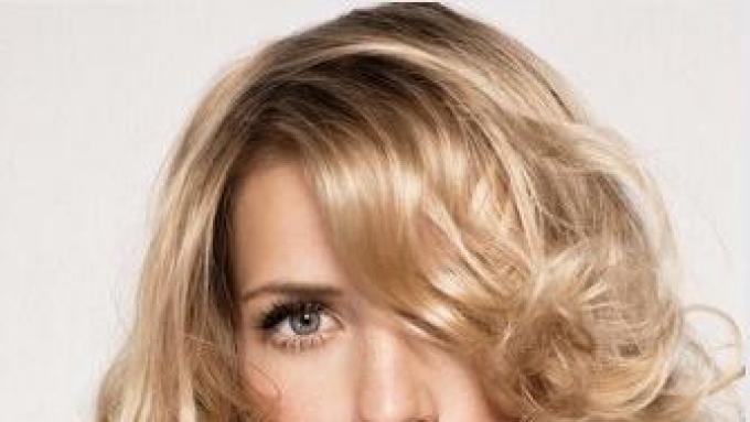 Modne Fryzury Do Blond Włosów Fryzury Polkipl