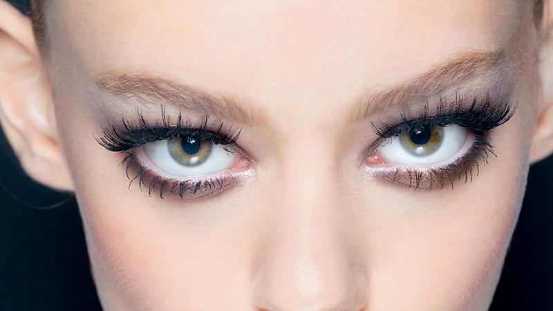 Jak malować oczy? Zobacz najciekawsze inspiracje!
