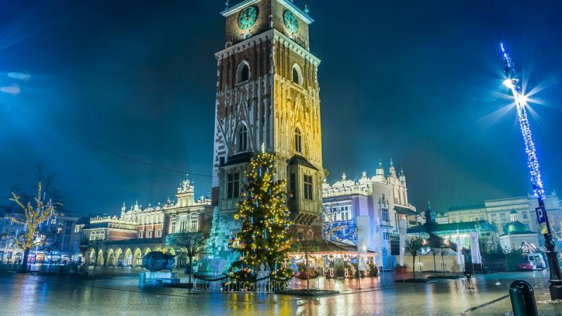 Najpiękniejsze polskie miasta w świątecznej scenerii. My już czujemy magię świąt!