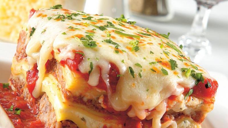 Włoska lazania  Przepisy  Kuchnie świata  Polki p -> Kuchnia Wloska Klasyczne I Nowoczesne Dania Olesiejuk