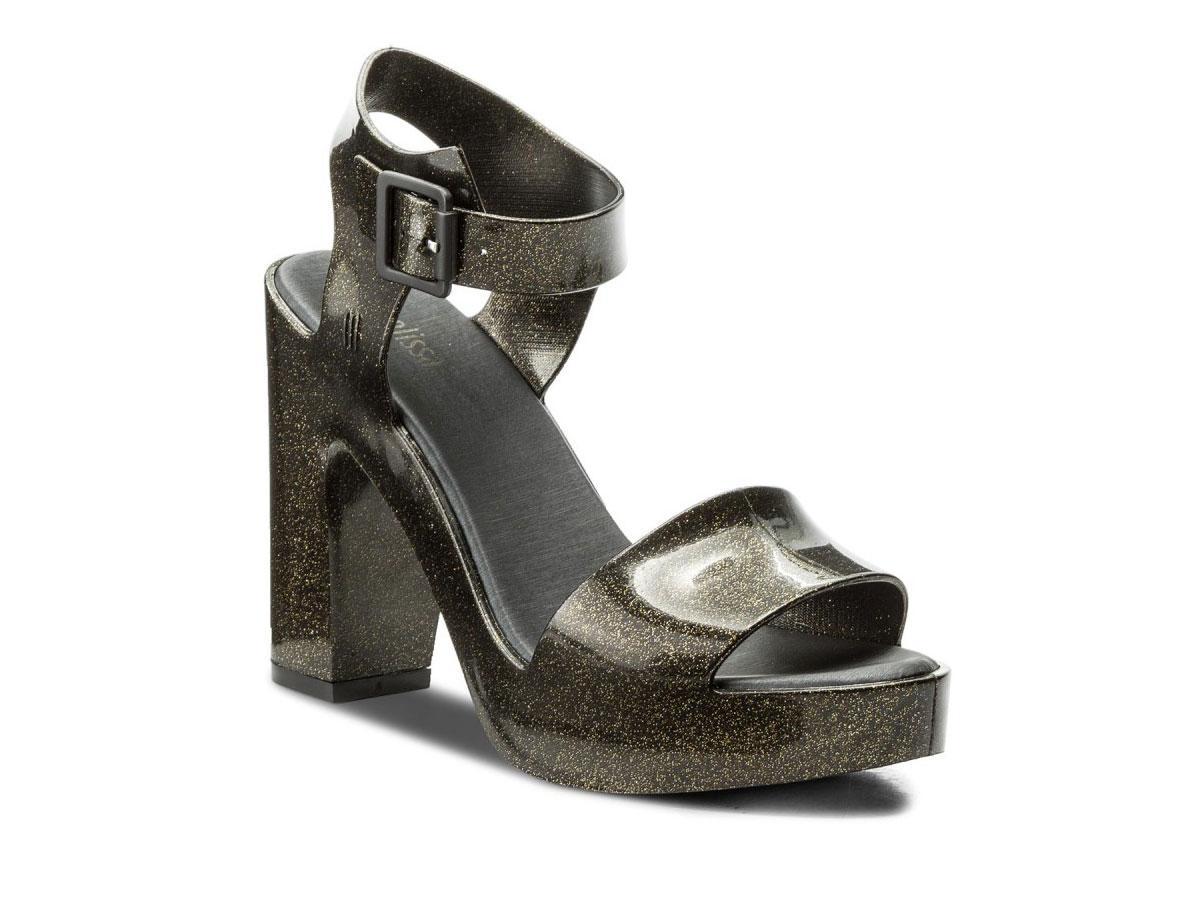 Brokatowe sandały na słupku Melissa