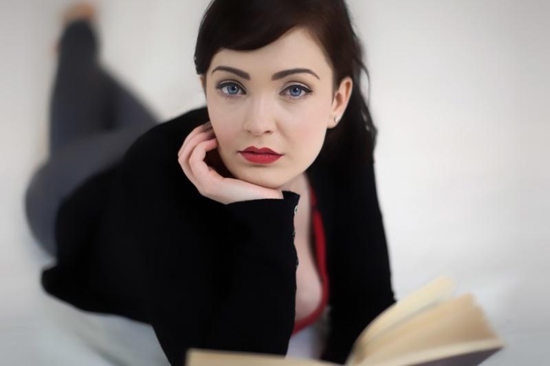 kobieta, retro, książka