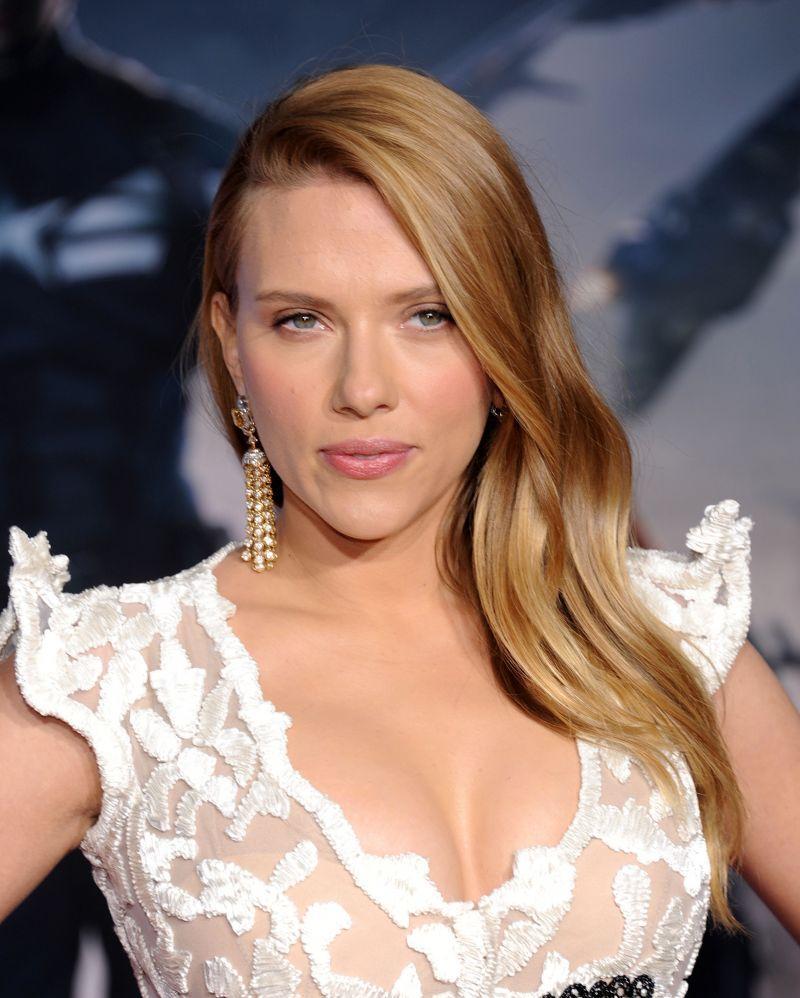 Scarlett Johansson Pomysły Na Fryzury Dla Blondynek