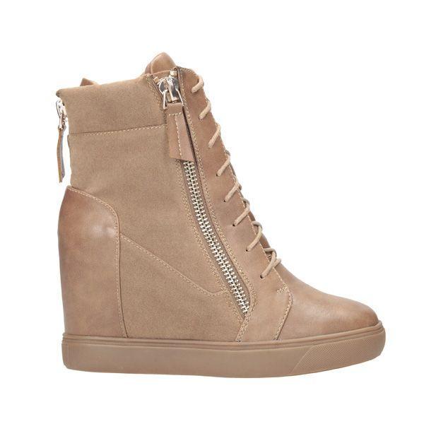 Jesienne buty na koturnie CCC, cena