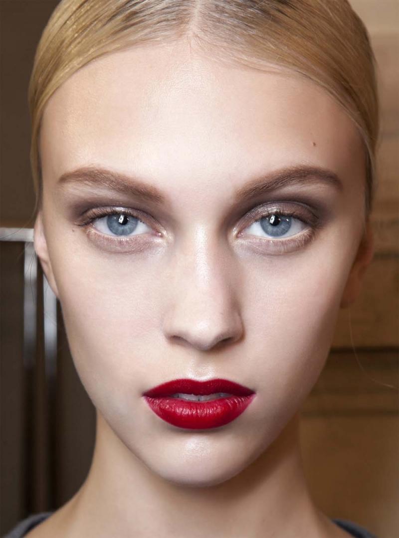 zmysłowe ust, makijaż ust, jak malować usta