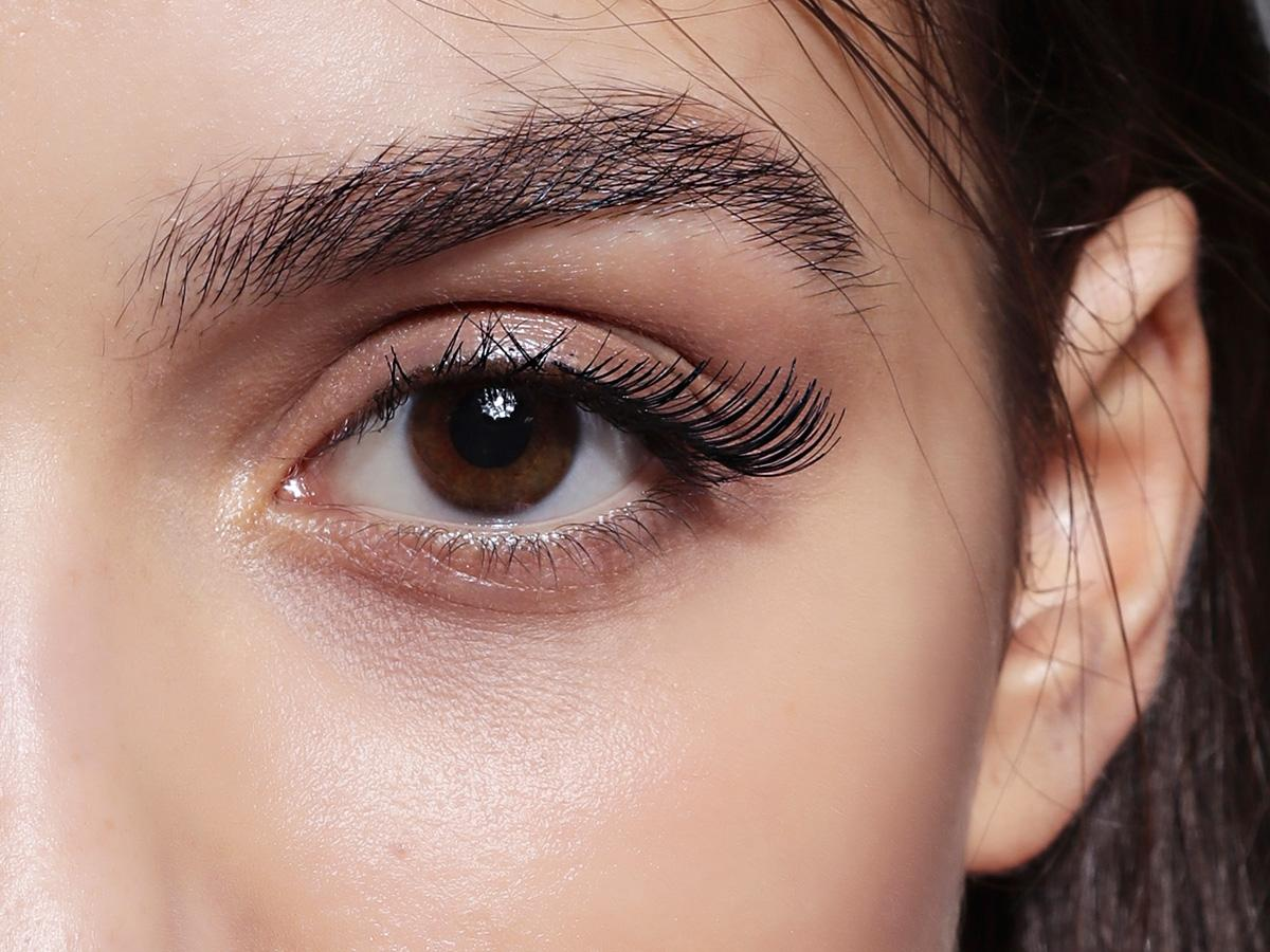 6 kosmetyków, dzięki którym twoje brwi nabiorą wyrazu