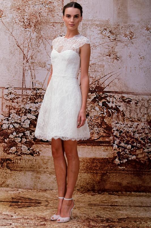 Nowość Krótka sukienka ślubna z gorsetem i koronką na dekolcie - Sukienki LG71