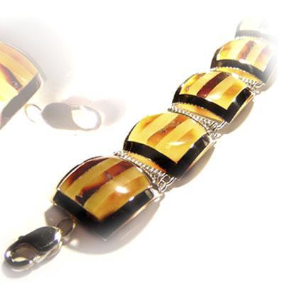 ADDIE - Awangardowa biżuteria na rękę - zdjęcie