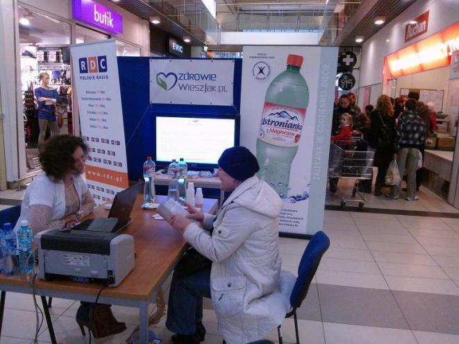 """Mobilna Poradnia Kardiologiczna Kardiofon!"""" w CH Auchan Płock/ fot. CNK Kardiofon"""