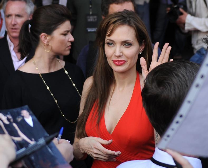 """<b>Angelina Jolie</b> na premierze filmu """"Salt"""" w Moskwie"""