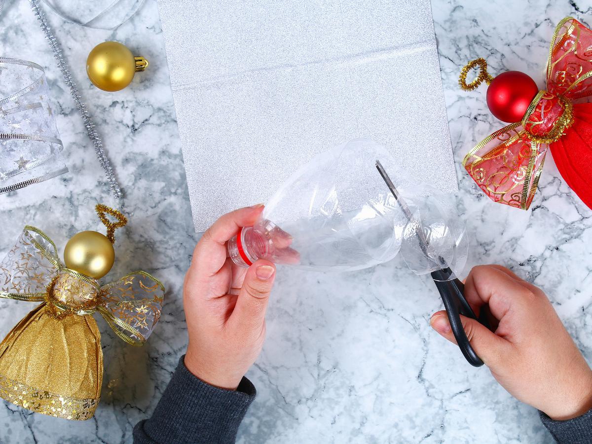 Anioł z butelki plastikowej - praca plastyczna zimowa