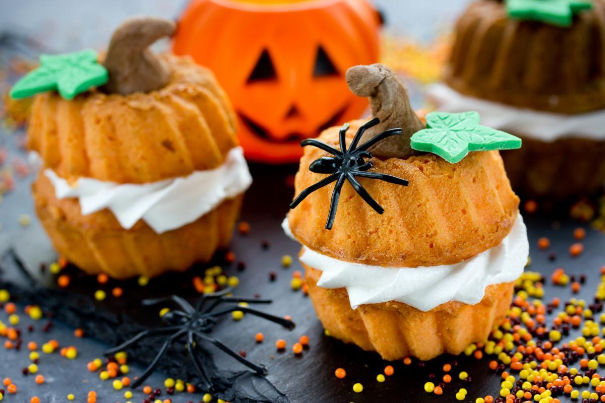 Babeczki na Halloween w kształcie dyni