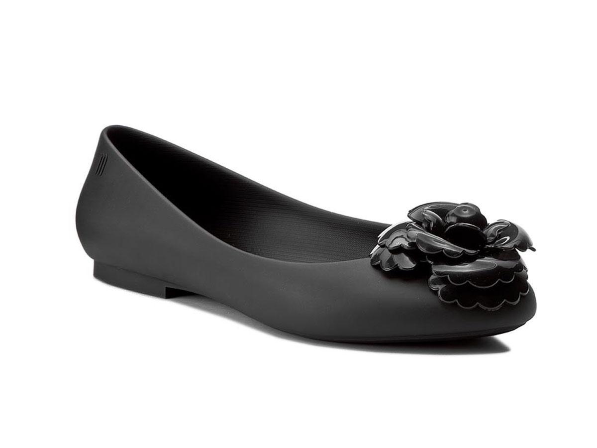 Czarne baleriny z kwiatem Melissa