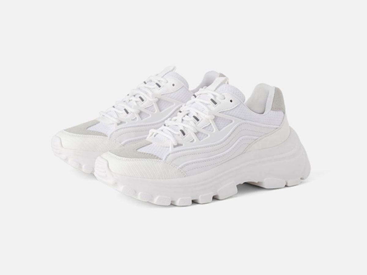 Białe sneakersy z Zary