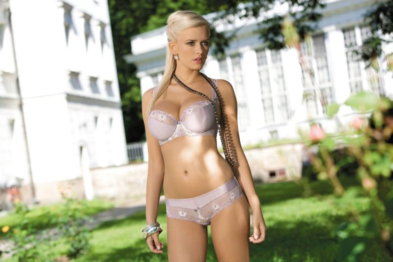 różowa bielizna Corin - wiosna/lato 2011