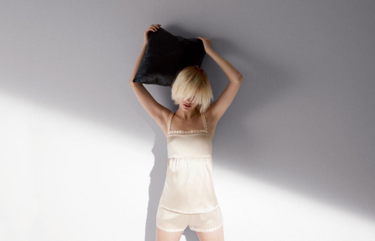 biała bielizna Stella McCartney - moda 2011