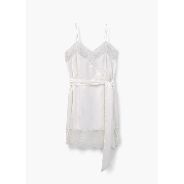 Bieliźniane sukienki hitem lata. Gdzie je kupisz?