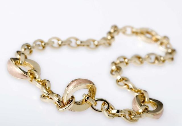 Biżuteria inkrustowana różowym złotem - galeria