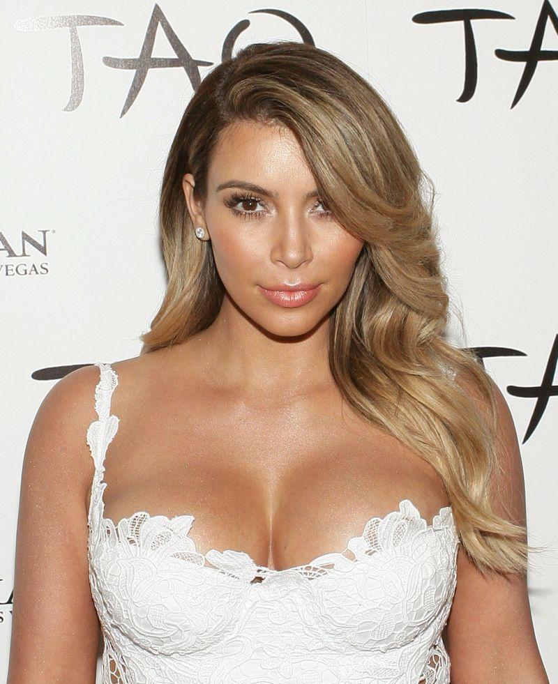 Kim Kardashian jako blondynka