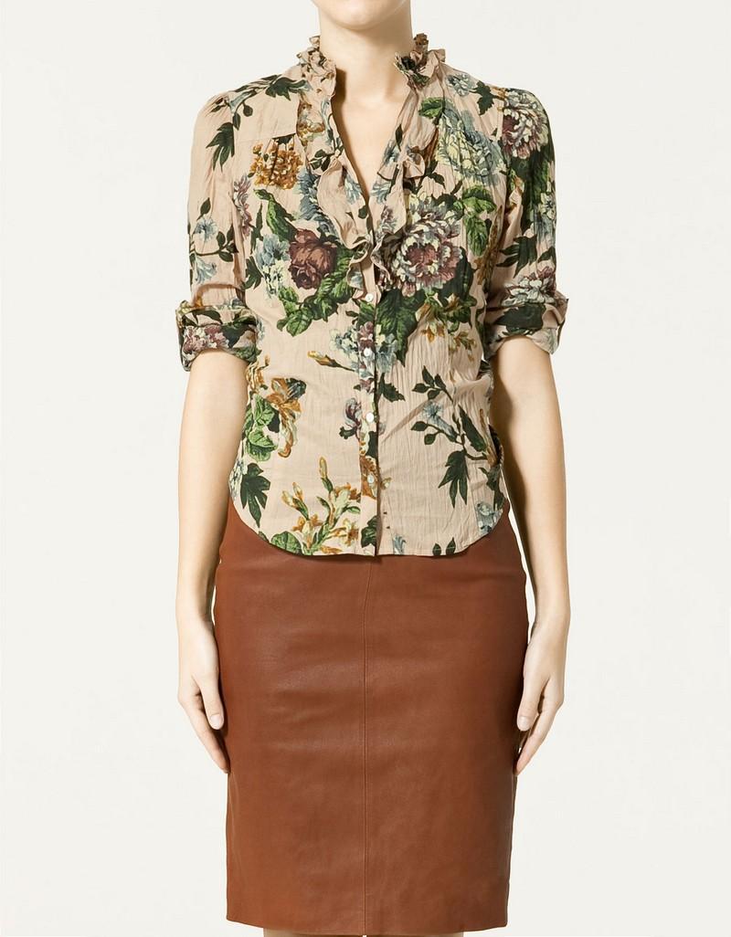 beżowa bluzka ZARA w kwiaty - moda 2011
